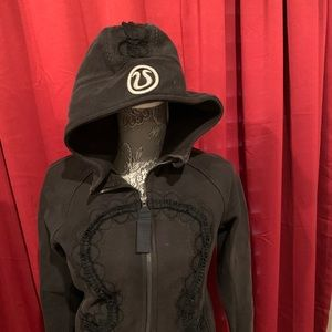 Womans black Limited addition Lululemon sweatshirt